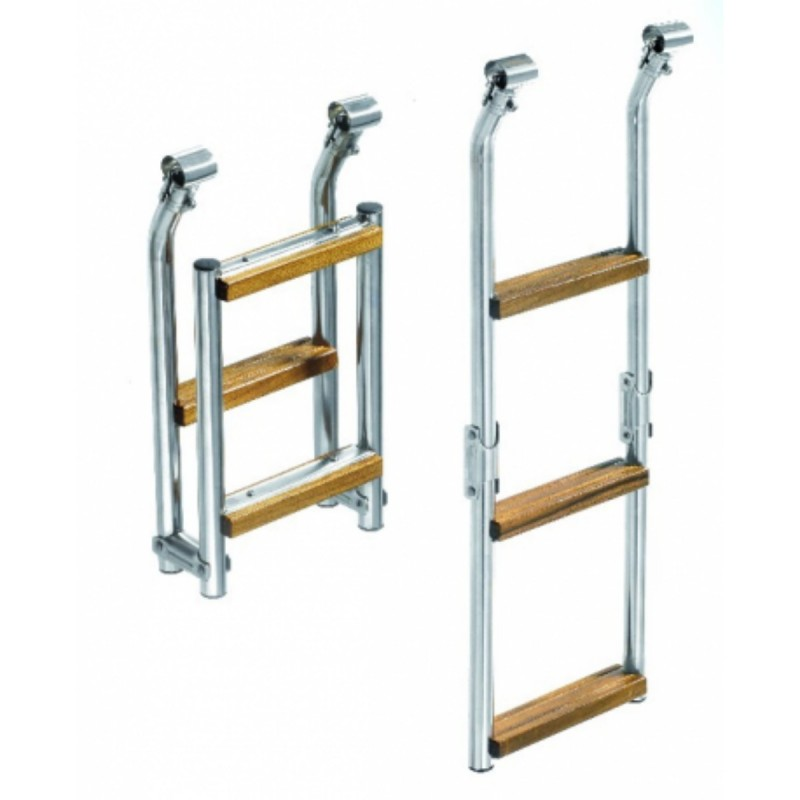 Ladder in stainless steel with three steps to the swim platform